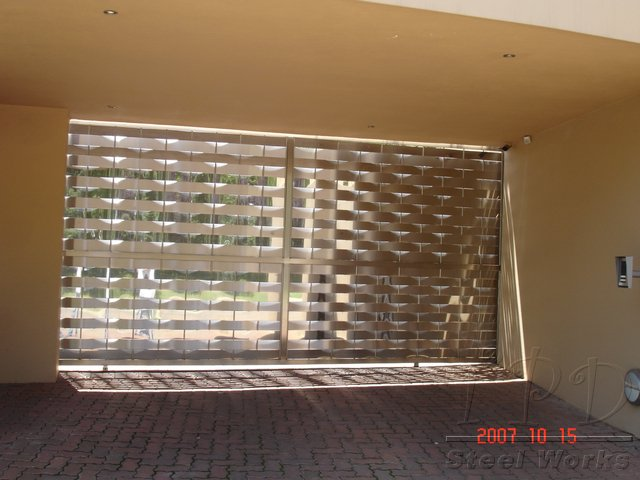 Sliding Stainless Steel Gate With Waves